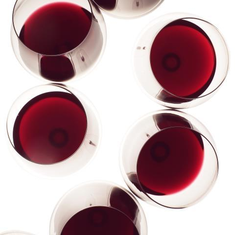 wine, red wine, sulfites, holiday drinking