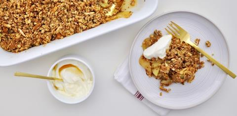 chia, apple, crisp, baked, yogurt, greek, honey