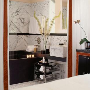 Evian Bath, Spa V Hotel Victor, Miami