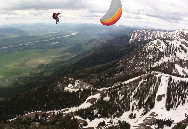 Paragliding, Jackson Hole, Wyoming, Q by Equinox, Adventures, travel, vacation, snow, winter, physical endurance, activities, body, fitness, skiing, luxury rentals, The Clear Creek Group,