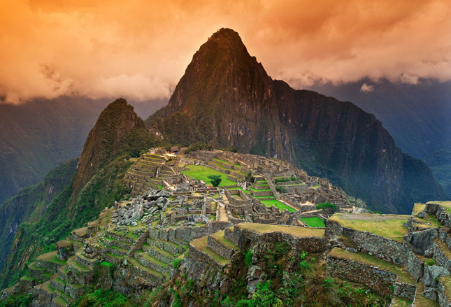 machu picchu, cusco, peru, hiking trips, hiking, inca trail, sun gate, destination, vacation, q by equinox